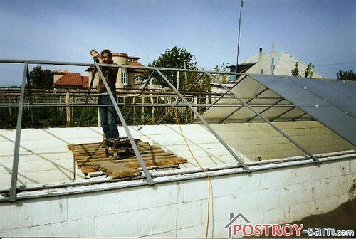 Строительство крыши теплицы
