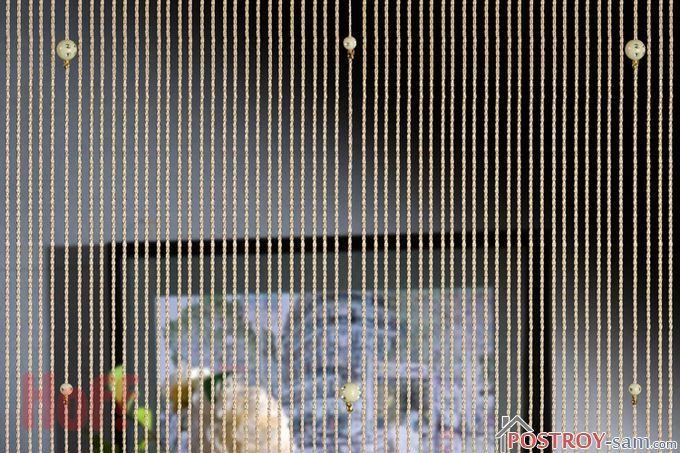 Нитяные шторы с бусинками