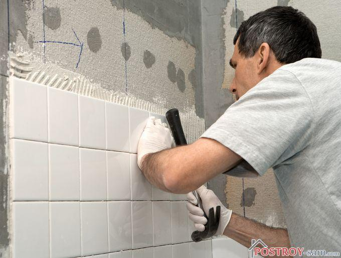 Поклеить плитку в ванной своими руками