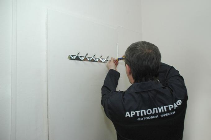 Подготовка двери для поклейки обоев