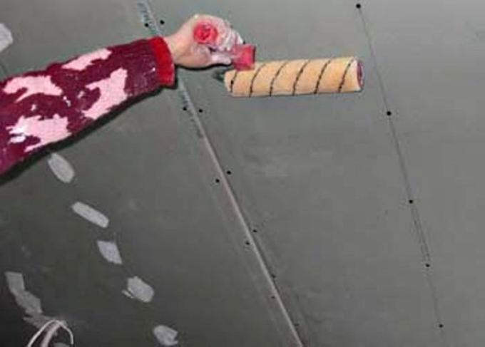 Грунтовка потолка из гипсокартона