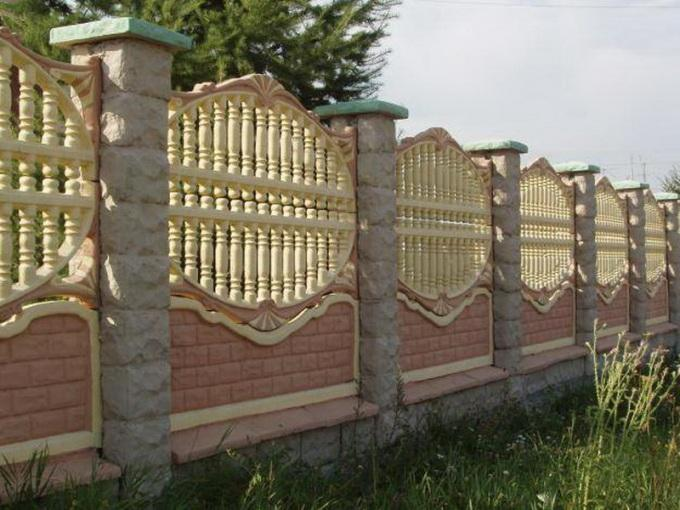 Бетонные заборы для частного дома