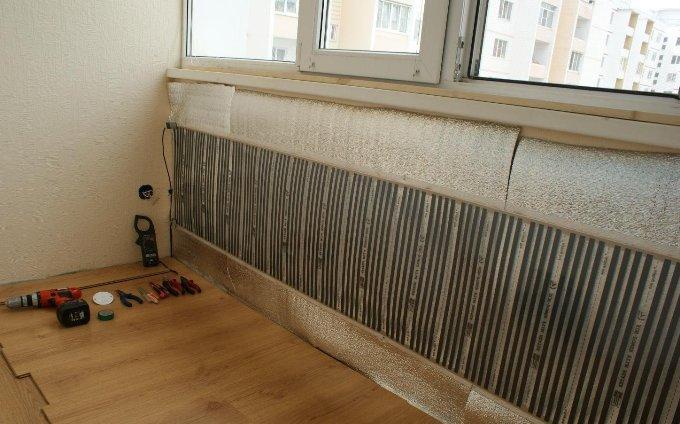 Теплые стены на балконе