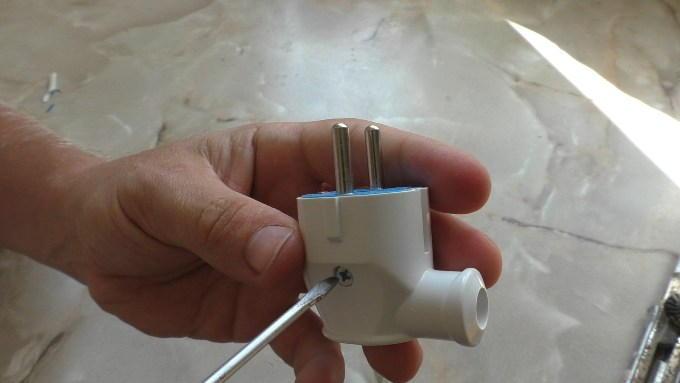 Как разобрать электровилку