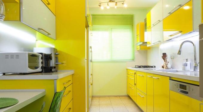 Аналоговая цветовая схема кухни