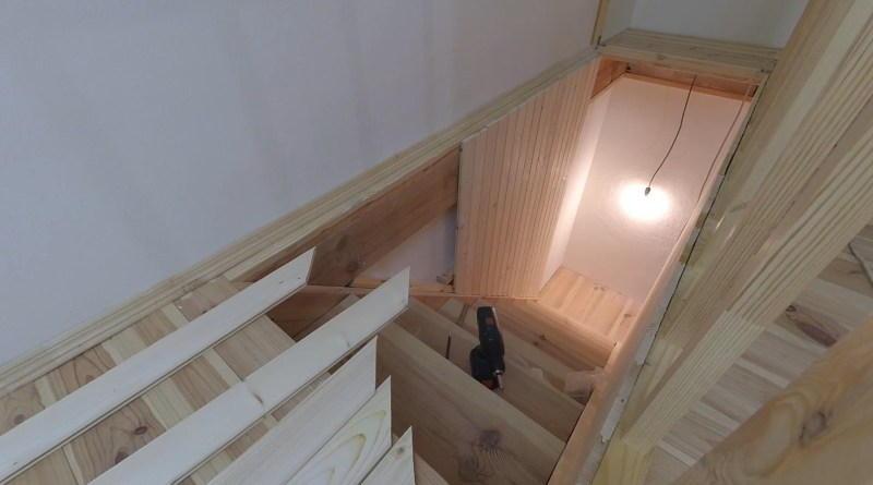 Отделка лестницы вагонкой своими руками. Как обшить лестницу вагонкой?