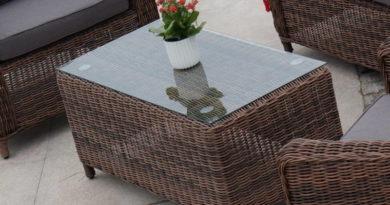 Как правильно выбрать стол для загородного дачного участка